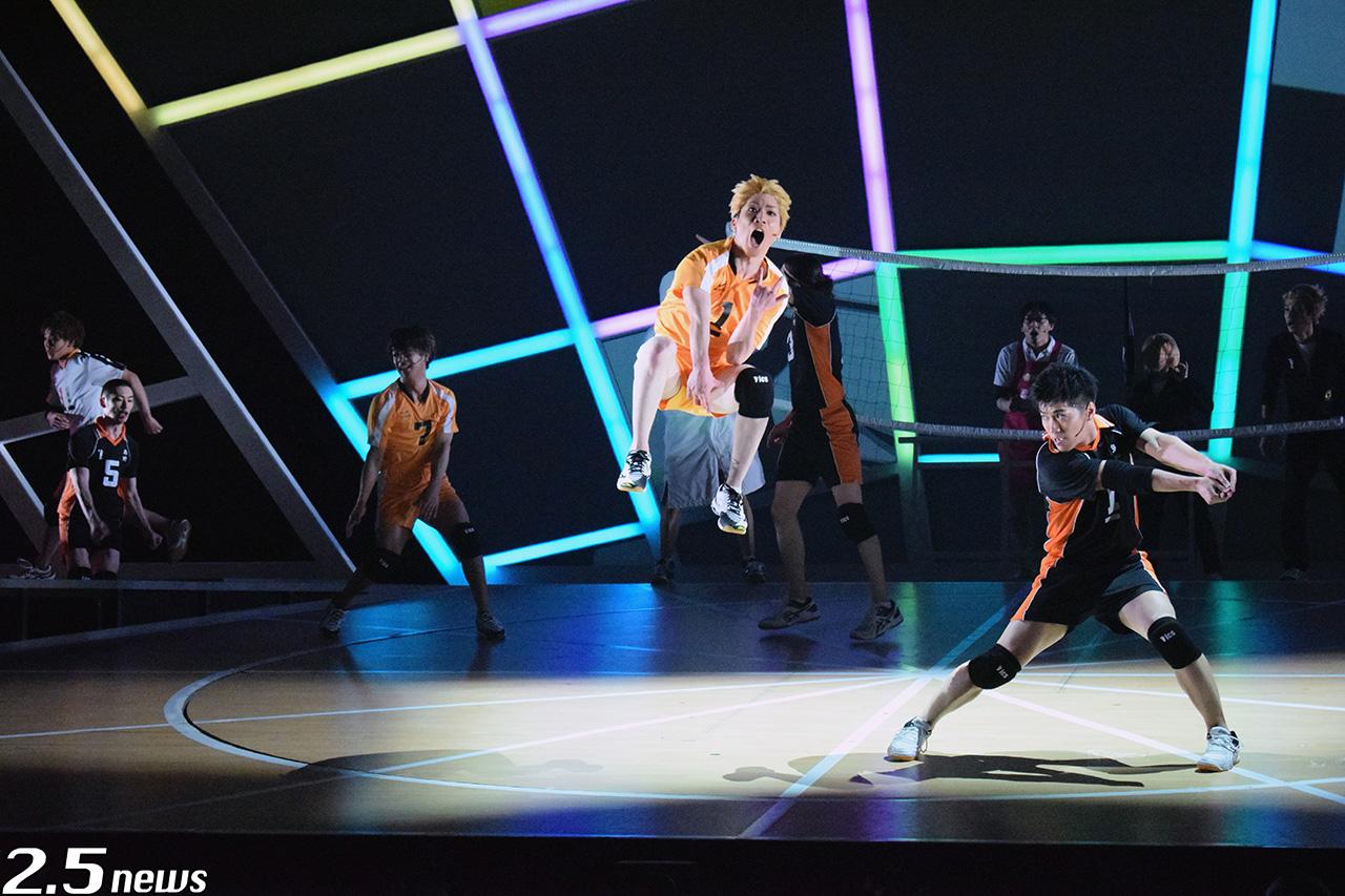 """ハイパープロジェクション演劇「ハイキュー!!」""""はじまりの巨人〞"""