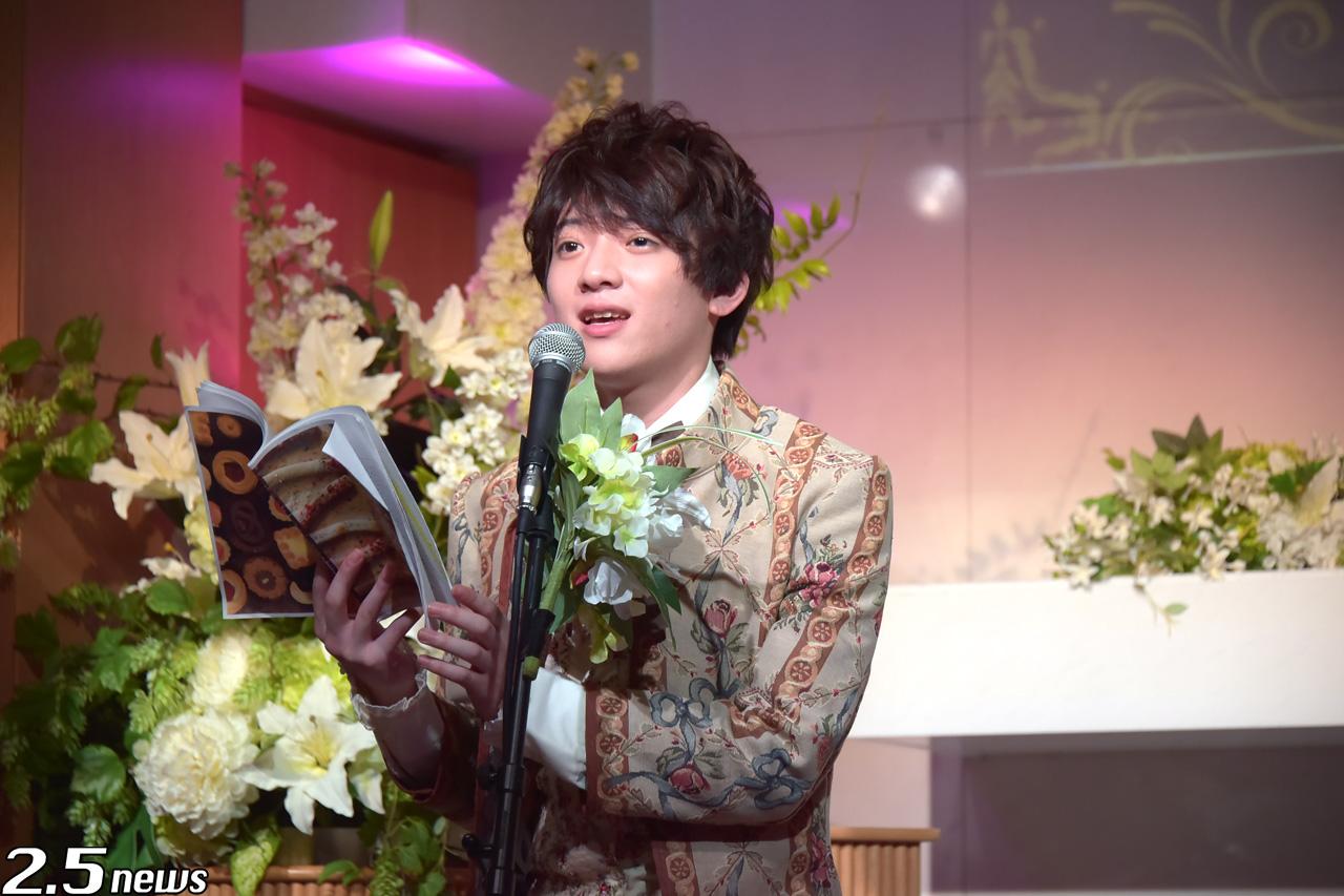 新感覚ヴィジュアルブック「theater of fairy tale」
